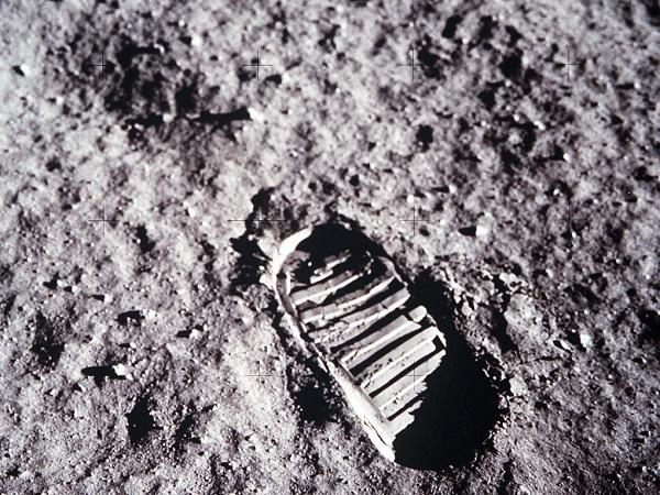 Homem na Lua - Fotografia Icônica 3