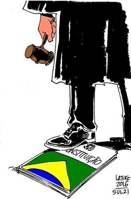 Queima de Livros - Latuff