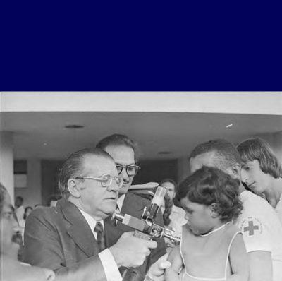Vacina com Pistola - Governo Militar